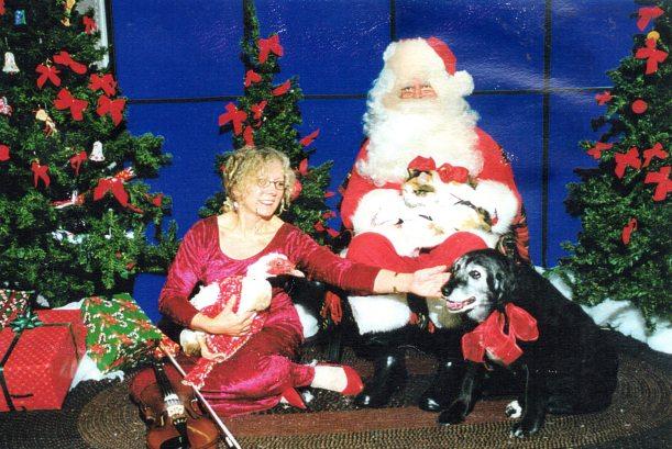 hugs-muffyjanee-my-violin-and-me-with-santa